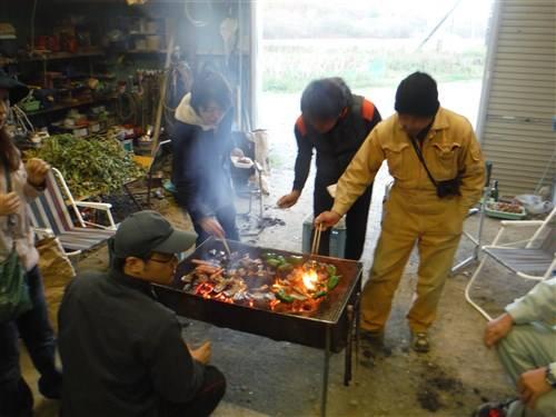 天気が悪くても楽しめる倉庫焼肉