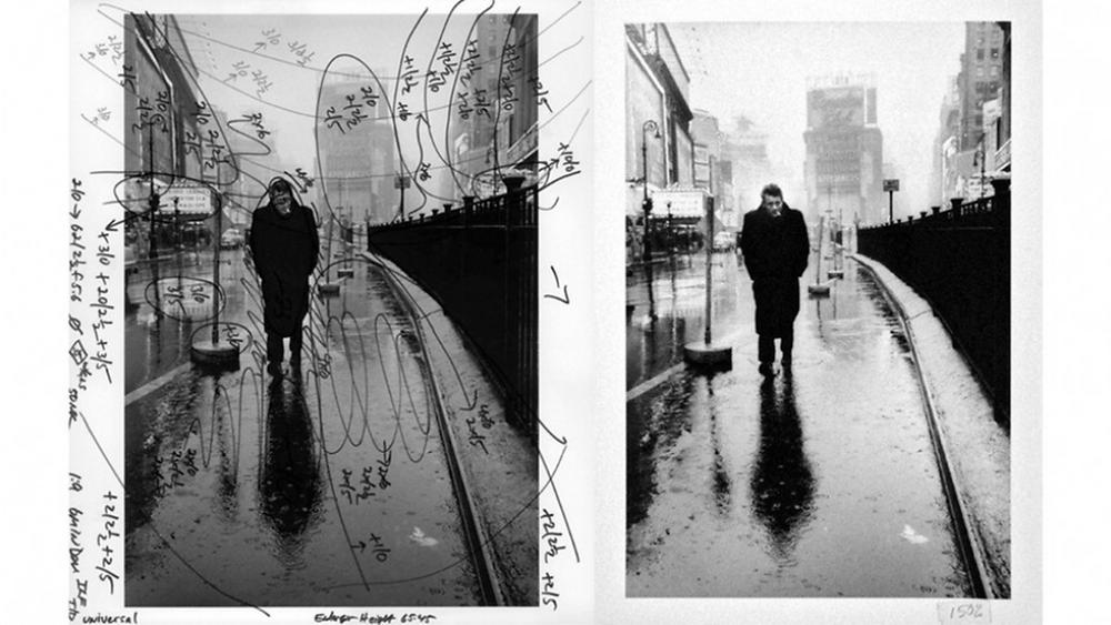La celebre foto di James Dean a Time Square, con le annotazioni di Pablo Inirio, maestro stampatore della Magnum