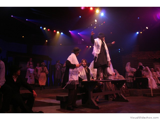 fiddler_on_the_roof_08_(480)