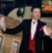 фокусник на свадьбу юбилей день рожденияФокусник на свадьбу, шоу программа на свадьбу, юбилей, артисты на свадьбу, заказать фокусника иллюзиониста, развлечение для гостей в Минске,  Могилёве,  Бобруйске,  Слуцке,  Солигорске,  Слониме,  Лиде,  Молодечно,  Борисове,  Жодино,  Орше,  Осиповичах, Смолевичи, Ошмяны, Сморгонь, Новогрудок, Новолукомль, Глубокое, Докшицы, Лепель, Старые Дороги, Дзержинск, Марьина Горка, Заславль, Рогачёв, Ивацевичи, Барановичи, Толочин