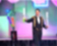 Фокусник иллюзионист Константин Лосков на детский праздник, день рождения, фокусник для детей, выпускной, шоу для детей, артисты на детский праздник Минск, Дзержинск, Заславль, Смолевичи, Марьина Горка, Червень. Заказать артистов на детский праздник.