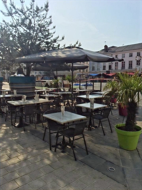 restaurant terrasse place foch centre vi