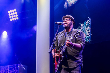 Israel Houghton Says He Wore 'Mask' for Years, Claims Honesty in Church Is 'Rejected&#39