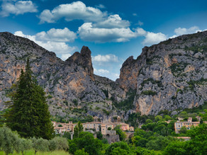 DISCOVER MOUSTIERS-SAINTE-MARIE THROUGH THE EYES OF NINA DURING HER IMMERSION COURSE IN PROVENCE