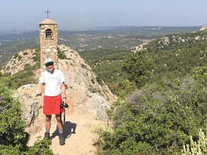 CLIMBING THE MOUNTAIN SAINTE-VICTOIRE IN PROVENCE WITH DAVID