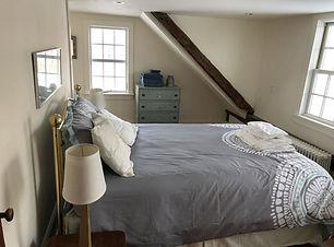 Bedroom 2 upstairs - queen.jpg