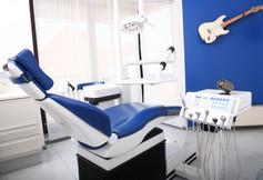 Zahnarztpraxis Dr. Polz - Behandlungszimmer
