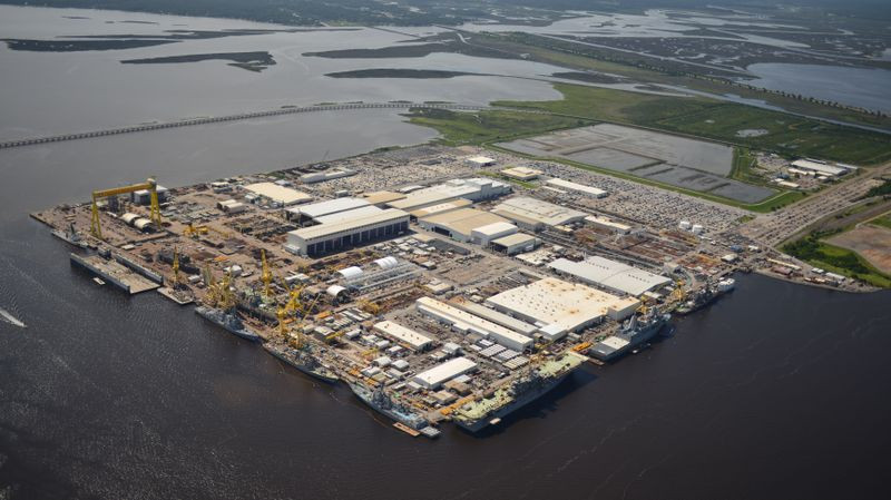 Huntington Ingalls Industries wins LCS planning yard contract worth a potential $931.7 million