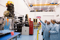 Chinese Vice Premier Ma Kai visits Surrey Satellite Technology Ltd