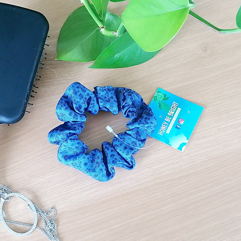 BLUE ANIMAL PRINT SCRUNCHIE