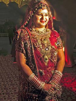 SHE'S GOLDEN - HIGH CAST HINDU BRIDE