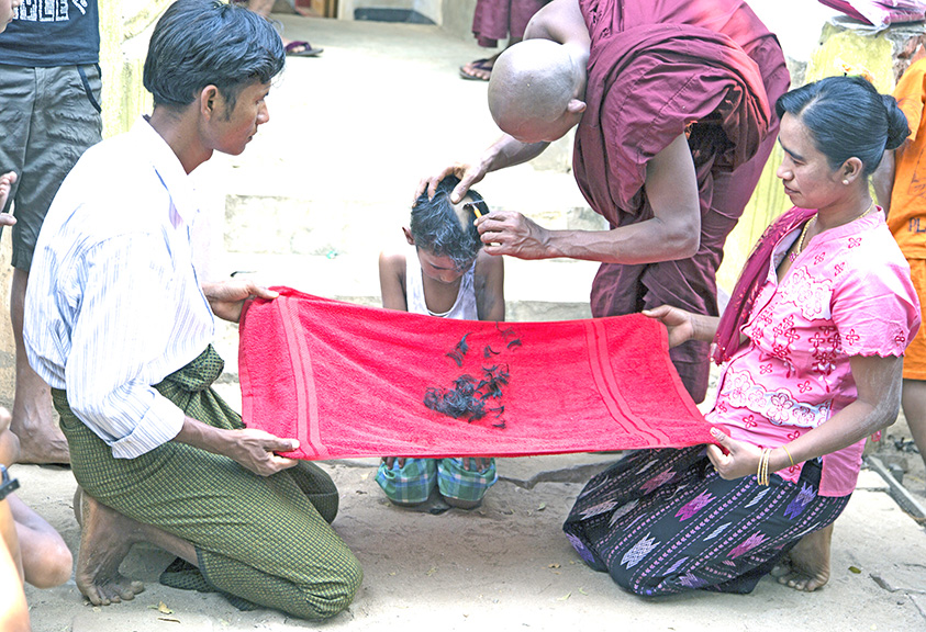 SHAVING THE NEW MONK'S HEAD, MYANMAR
