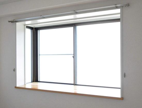そして室内側。上の方の例と比べると寂しいですねー。