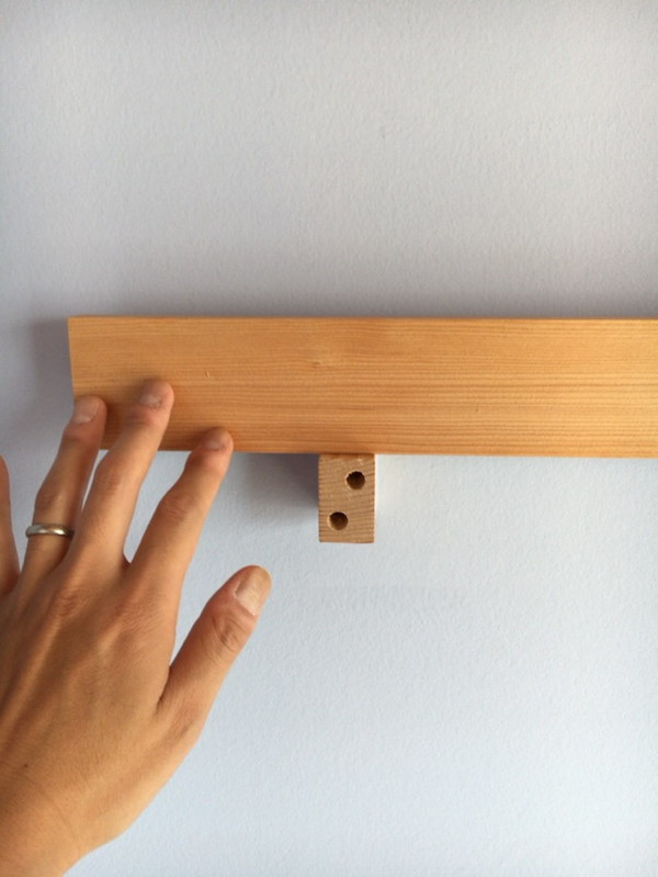 漆喰や木と、素朴な素材を使った優しい設えです。
