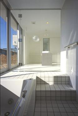 開放性のある浴室-arfler0101