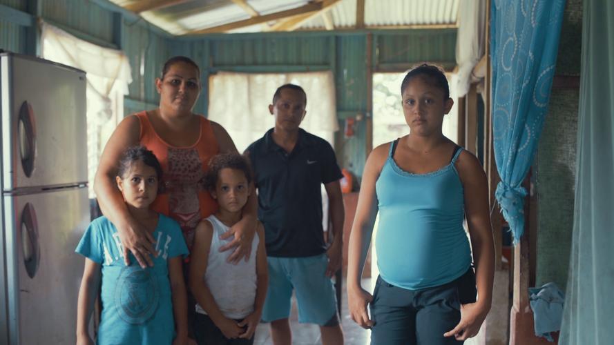 Kassandra y familia copy.png