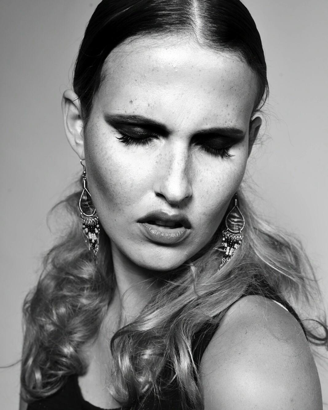 Hong Kong - Cork makeup artist