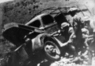 Allies abandoning vehicles during evacua