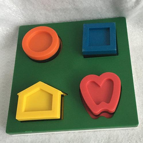 Lea Three D puzzle
