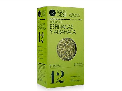 Fideuà met spinazie en basilicum