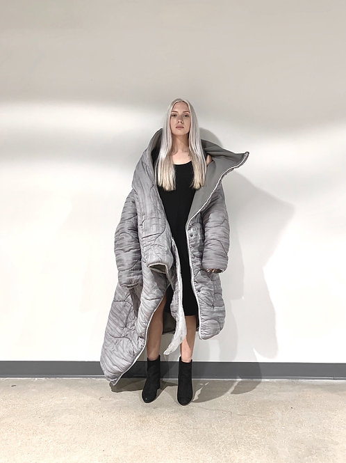 ABSTRACT SLUMBER COAT