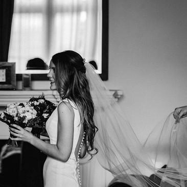 Professional Makeup Artist for Brides| Amanda White Hair and Makeup Professionals