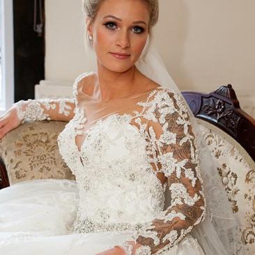 Statement Bridal Hair and Makeup | Berkshire Professional Hair and Makeup Artist | Amanda White.