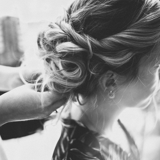 Surrey Makeup Artist & Hairstylist  Amanda White Hair & Make Up Artists -  Surrey Based Bridal & Special Ocassion Hair and Makeup Services