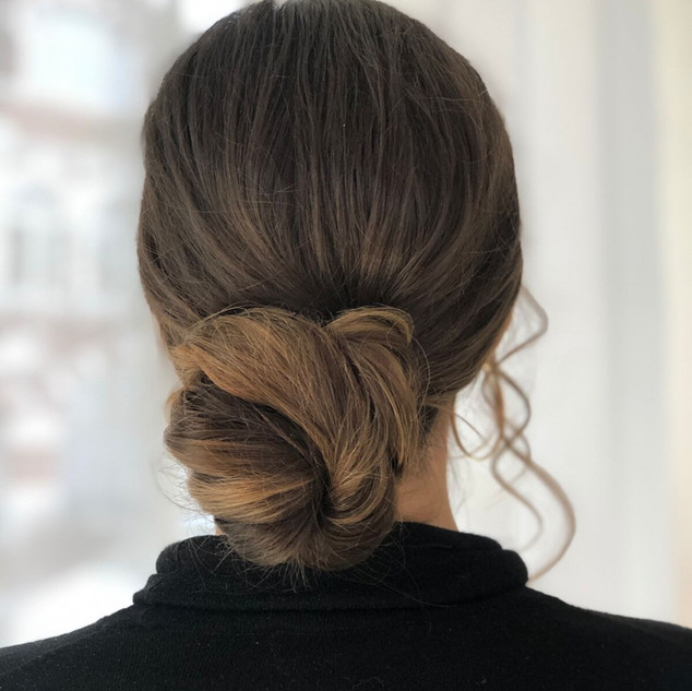 Bridal Style for Modern Brides | Professiona Hair and Makeup in Oxford.