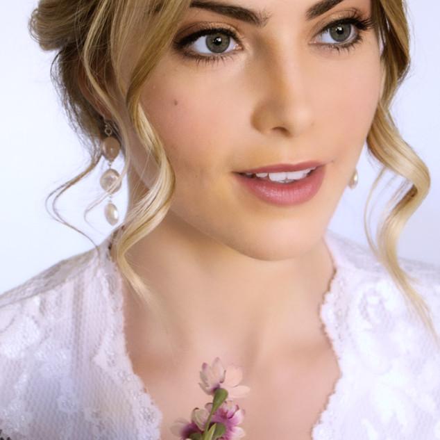 Gorgeously Natural Makeup | Professional Makeup Artist based in Surrey| Amanda White