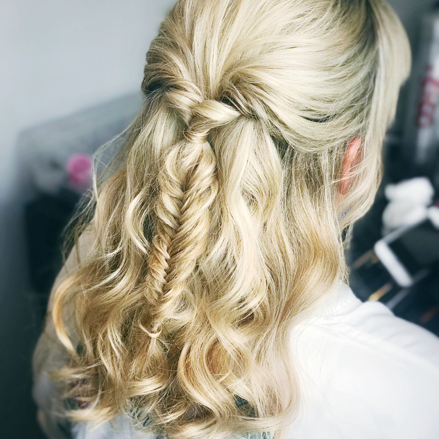 Wedding Hair Down Hairstyles | Oxford Hairstylist | Amanda White