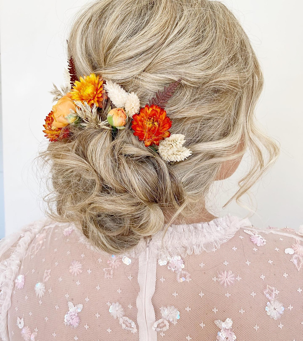 Hair up with flowers | Twisted hairstyle ideas for weddings| Bridal loose hair up ideas.