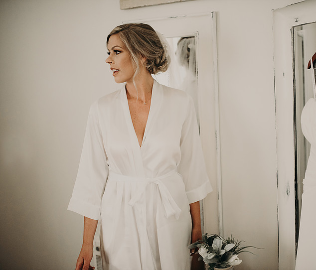 Getting Ready on Your Wedding Day With Professional Hair and Makeup Artist | Amanda White