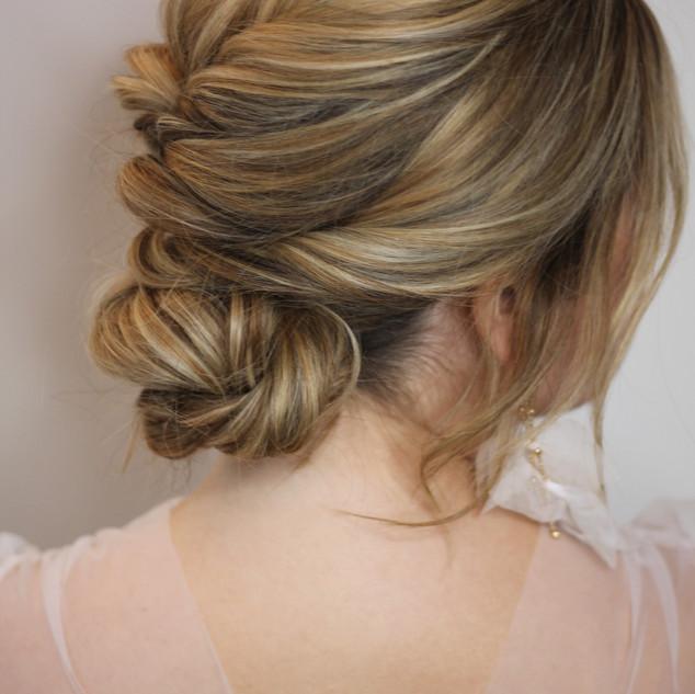 Stylish Bridal Makeup and Hair for Brides To Be | Amanda White