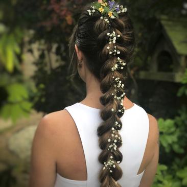 Floral Hair Ideas for Your Wedding Day | Flower Girl Hair Ideas| Amanda White