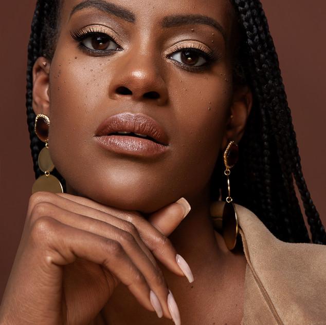 Black Beauty Experts | Professional Makeup Team| Amanda White