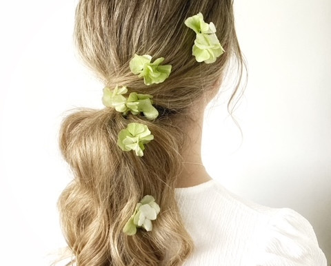 8 Ways To Wear Flowers In Your Hair