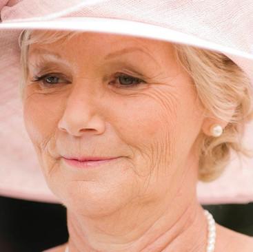 Mother of The Bride Makeup Looks| Makeup Professionals Amanda White