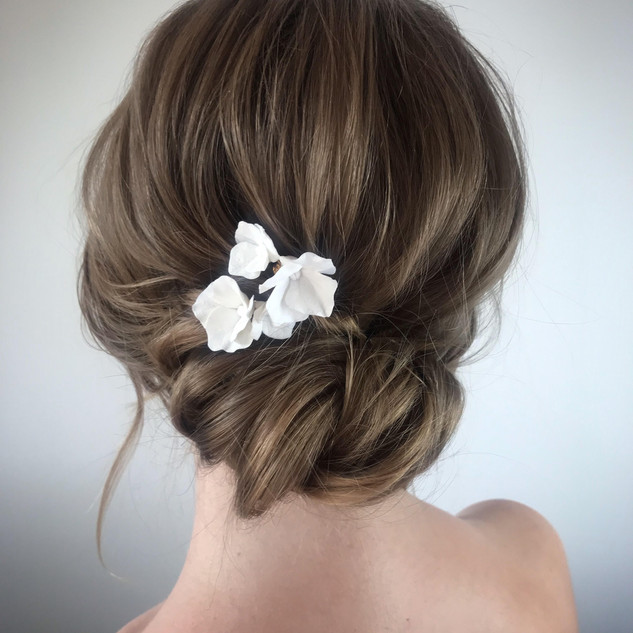 Indie Wedding Style | Relaxed Wedding Hair and Makeup | Amanda White