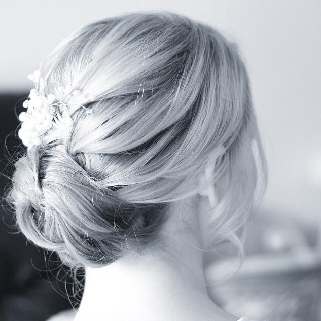 Low Key Bridal Hairstyle Ideas | London Wedding Hairstylist Team| Amanda White