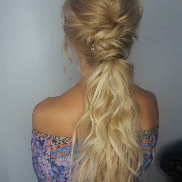 Relaxed Boho Hairstyling for Brides to Be | Wedding Hairstyling Team based in Surrey| Amanda White