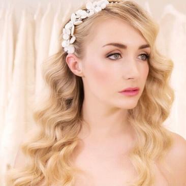 Hollywood Wave Bridal Hairstyle | Hair and Makeup Professionals | Amanda White
