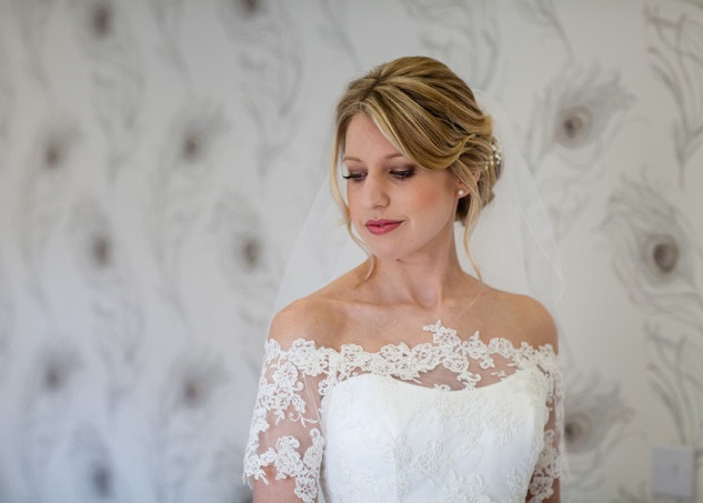 Natural Makeup for Brides to Be on their Wedding Day | By Amanda and her Team.