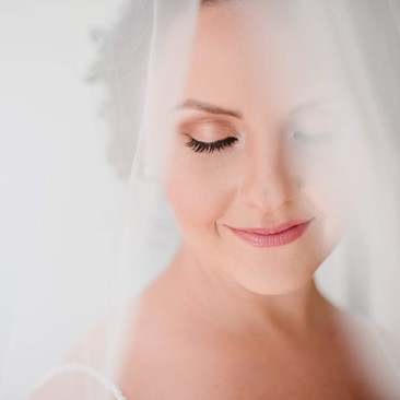 Gold Eye Makeup for Your Wedding Day | Natural Makeup Professionals | Amanda White