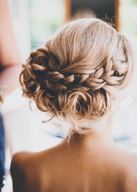Stylish Wedding Hairstyling In Oxford and the Home Counties