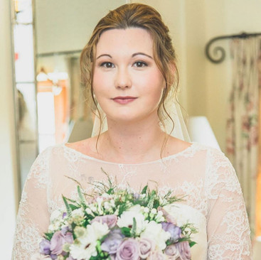 Experienced Hair and Makeup Artist   Amanda White based in Surrey