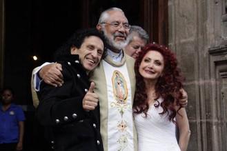 :: Alex Lora y el matrimonio ::