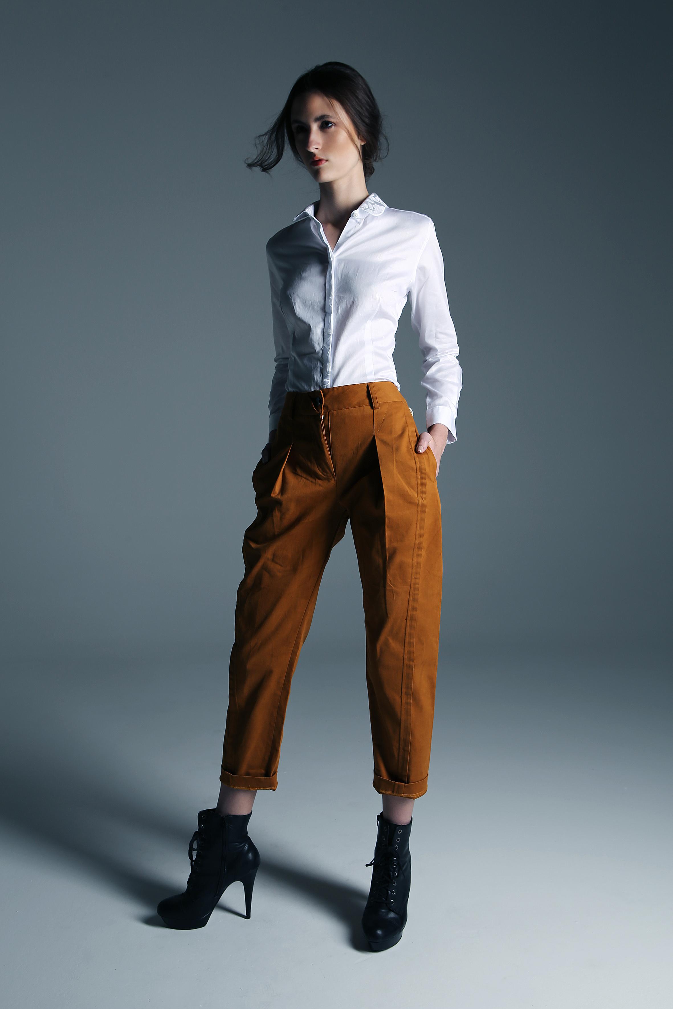 Leila Zandonai para way model