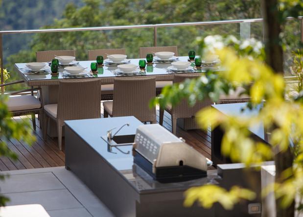 Lime V4_terrace_dining-2.jpg
