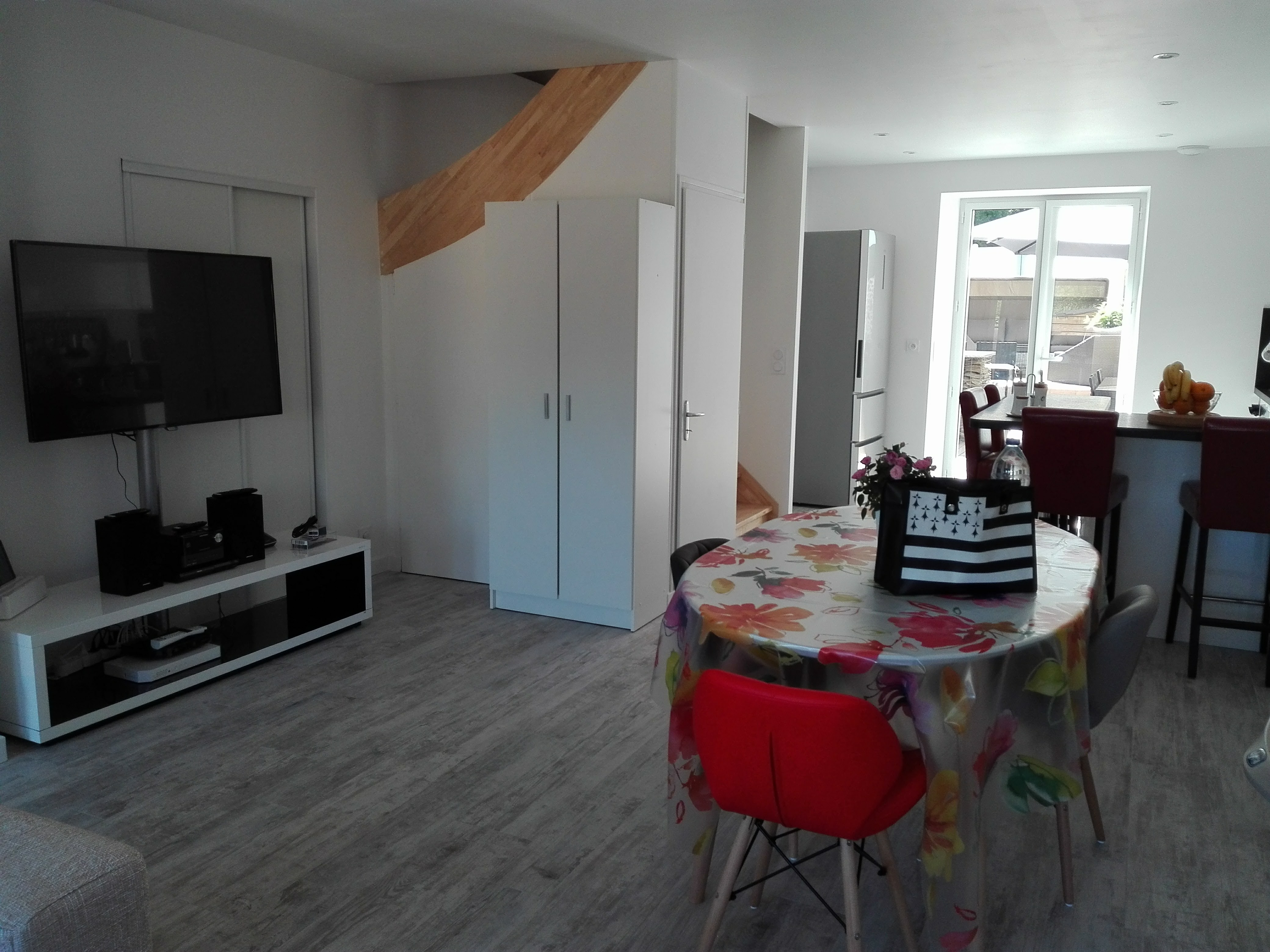 TV dining room